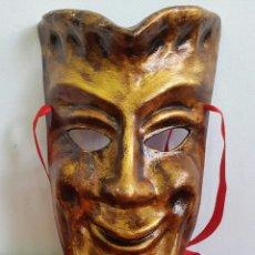 Coleccionismo: MÁSCARA TEATRAL VENECIANA PAPEL MACHE. Lote 85806027