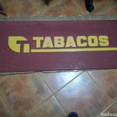 Coleccionismo: CARTEL DE CHAPA DE TABACO ANTIGUO. LETRAS EN RELIEVE. 120X 45 CENTÍMETROS. Lote 86761279