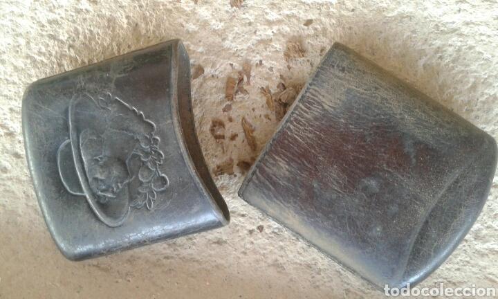 Coleccionismo: Antigua pitillera petaca tabaquera cuero repujado dama - Foto 3 - 94762191