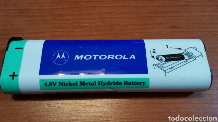 Coleccionismo: Antiguo teléfono móvil marca motorola modelo s6185b. Años 90. Con su batería original - Foto 2 - 97528130