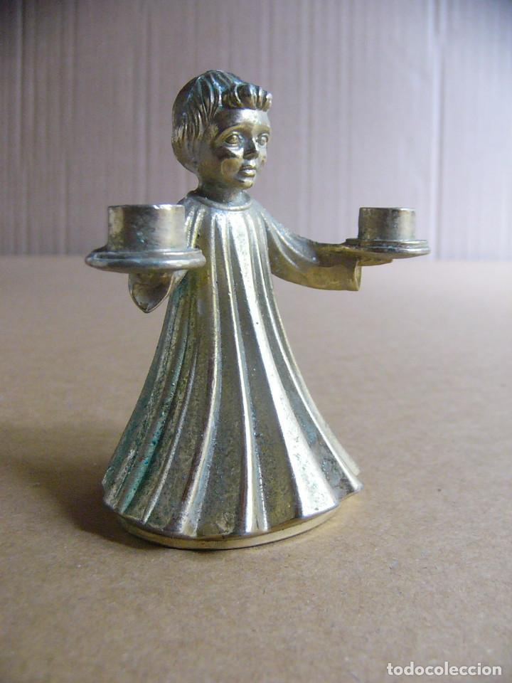Coleccionismo: Figura de un angel en metal - Candelabro o portavelas liturgico para velas - Foto 2 - 97823943