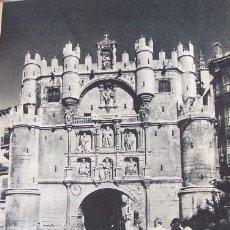 Coleccionismo: BURGOS ARCO DE SANTA MARIA LAMINA HUECOGRABADO AÑOS 40. Lote 103004759