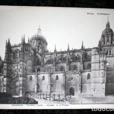 Coleccionismo: FOTOGRAFIA - SALAMANCA - CATEDRAL NUEVA - FACHADA - 39X28CM - CIRCA 1890. Lote 105905215