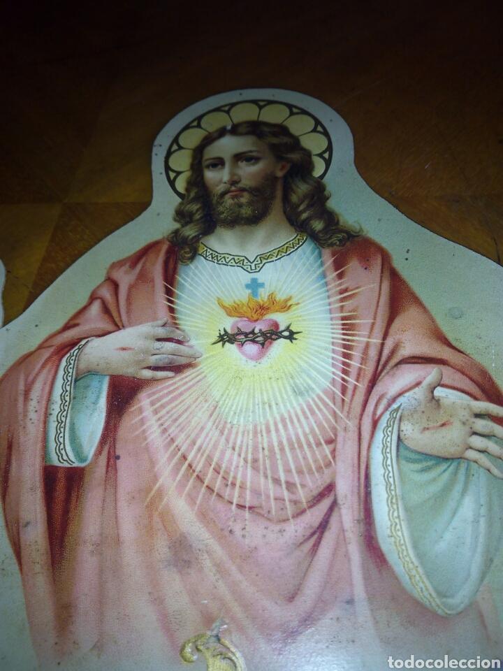 Coleccionismo: Cartón troquelado y grofado del Sagrado corazón. Religion. San. Santo. Cartel - Foto 2 - 106630732