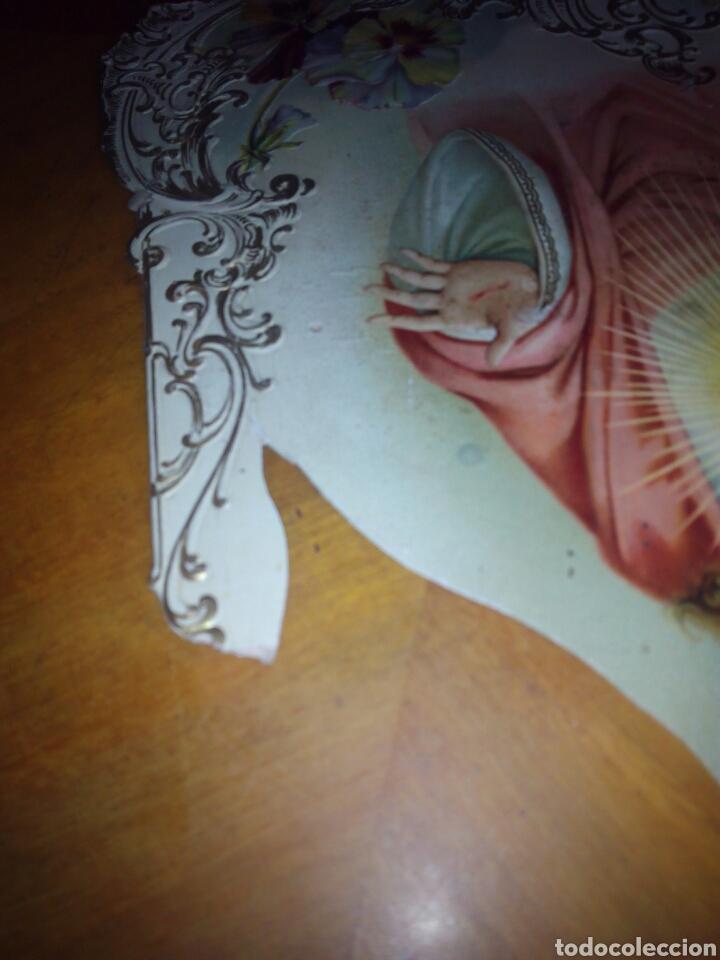 Coleccionismo: Cartón troquelado y grofado del Sagrado corazón. Religion. San. Santo. Cartel - Foto 6 - 106630732