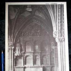Coleccionismo: FOTOGRAFIA - LEON - CATEDRAL - SEPULCRO SANTA VERONICA CLAUSTRO - 36X27CM - CIRCA 1890. Lote 106694575