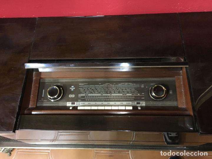 Coleccionismo: MUEBLE DE MADERA CON RADIO Y TOCADISCOS GRUNDIG AÑOS 60/70 - MEDIDA 136X81X42 CM - Foto 7 - 106786351