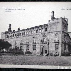 Coleccionismo: FOTOGRAFIA - LEON - CASA DE GUZMANTES - 37,5X27CM - CIRCA 1890. Lote 106929211