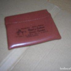 Coleccionismo: ANTIGUO MONEDERO PUBLICIDAD HORNO-BOLLERÍA DE REQUENA. MIDE 9 X 7 CM.. Lote 110833803