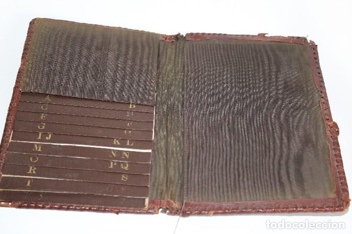 Coleccionismo: AGENDA PIEL REPUJADA TELEFÓNICA DE DON QUIJOTE DE LA MANCHA EN PIEL REPUJADA - Foto 2 - 111029283