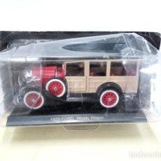 Coleccionismo: COCHE ESCALA/SCALE DIECAST CAR: FORD WOODY WAGON, ROJO/MADERA (1929). Lote 57638758