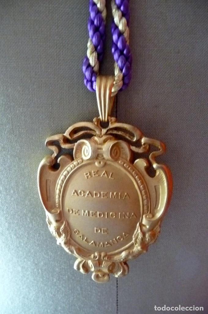 Coleccionismo: (JX-180210)Medalla de cuello de la Real Academia de Medicina de Salamanca . - Foto 3 - 111575555