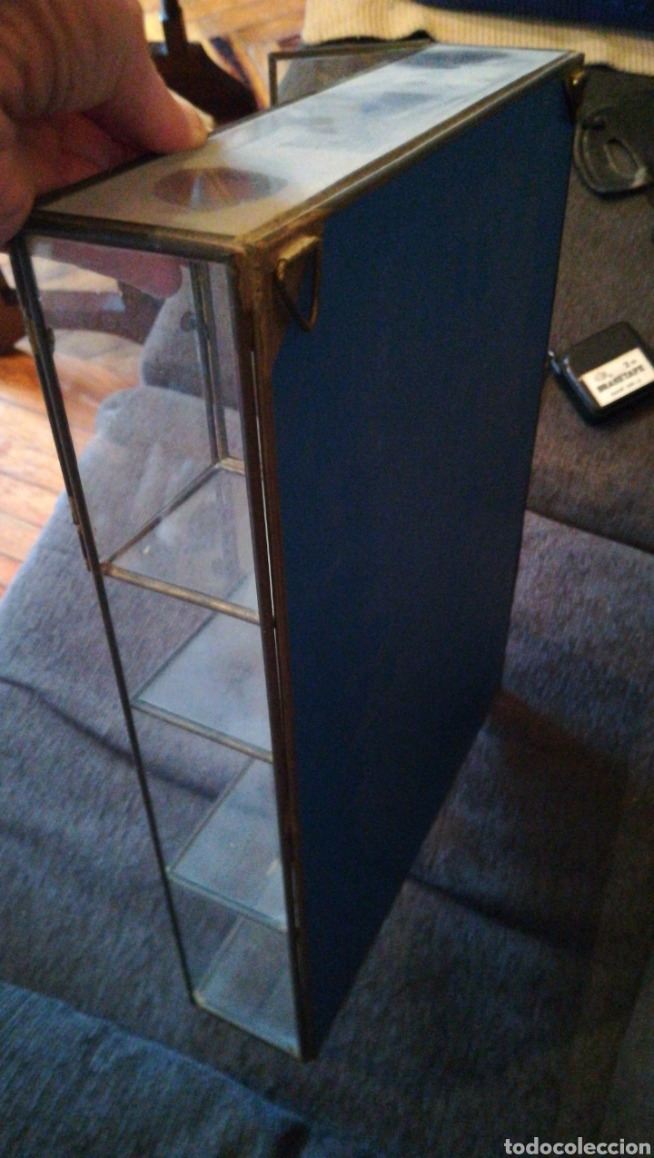 Coleccionismo: Vitrina cristal y metal. 35 por 26 - Foto 2 - 111948142