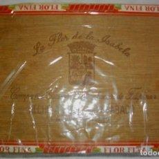 Coleccionismo: CAJA DE PUROS FILIPINOS MARCA LA FLOR DE ISABELA ( COMPLETA Y PRECINTADA). Lote 112038351