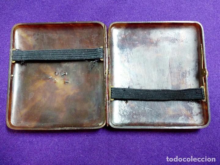 Coleccionismo: ANTIGUA PITILLERA DE CAREY. CON INICIALES JD EN PLATA. MEDIDAS: 77x82mm. - Foto 2 - 112057587