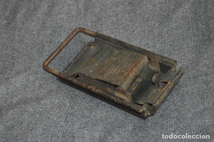 VINTAGE Y ANTIGUO - ANTIGUO INSTRUMENTO LIADOR DE TABACO - FAVORITA PATENTE - HAZ OFERTA (Coleccionismo - Objetos para Fumar - Otros)