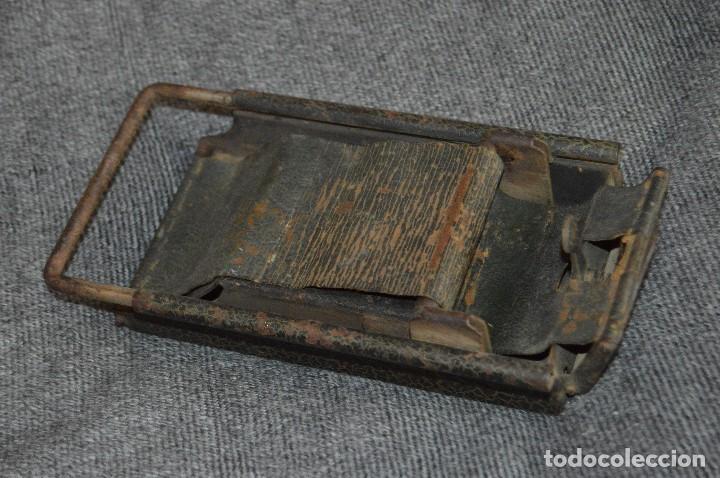 Coleccionismo: VINTAGE Y ANTIGUO - ANTIGUO INSTRUMENTO LIADOR DE TABACO - FAVORITA PATENTE - HAZ OFERTA - Foto 2 - 112335211