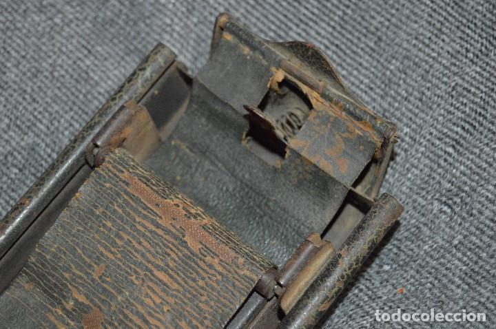 Coleccionismo: VINTAGE Y ANTIGUO - ANTIGUO INSTRUMENTO LIADOR DE TABACO - FAVORITA PATENTE - HAZ OFERTA - Foto 4 - 112335211