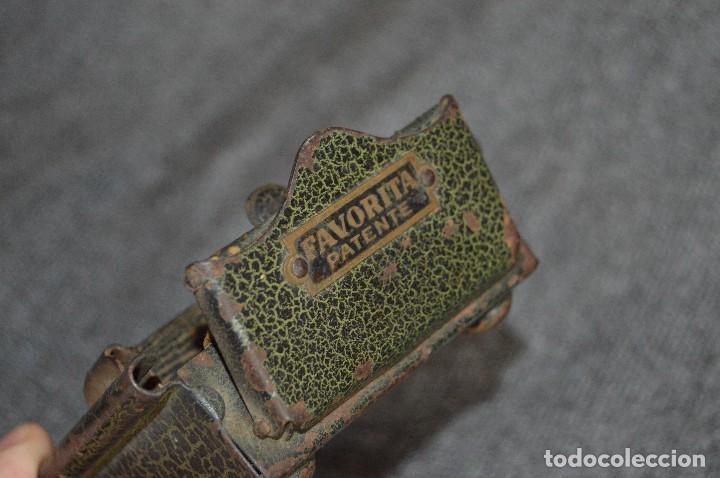 Coleccionismo: VINTAGE Y ANTIGUO - ANTIGUO INSTRUMENTO LIADOR DE TABACO - FAVORITA PATENTE - HAZ OFERTA - Foto 7 - 112335211