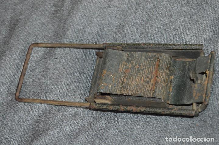 Coleccionismo: VINTAGE Y ANTIGUO - ANTIGUO INSTRUMENTO LIADOR DE TABACO - FAVORITA PATENTE - HAZ OFERTA - Foto 9 - 112335211