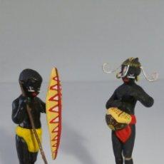 Coleccionismo: MUY ORIGINALES FIGURAS TERRACOTA NEGRITOS TRIBU - BARRO. Lote 113670791