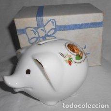 Coleccionismo: HUCHA CERDITO DE PORCELANA RECUERDO DE PRIMERA COMUNIÓN. Lote 114614579
