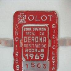 Coleccionismo: MATRÍCULA BICICLETA - CHAPA BICI DE OLOT, PROV. DE GERONA (GIRONA) - AÑO 1969. Lote 115175223