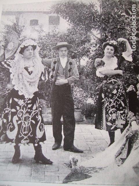 SEVILLA FERIA DE ABRIL BAILANDO LAMINA HUECOGRABADO 1910 (Coleccionismo - Laminas, Programas y Otros Documentos)