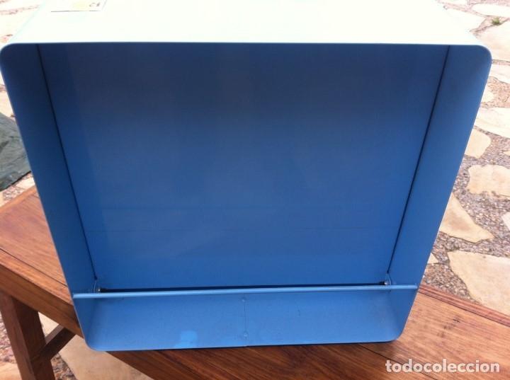 Coleccionismo: Expendedor de Gomas Milan, con caja interior original. Metálico. De antigua Papelería. - Foto 3 - 115379543