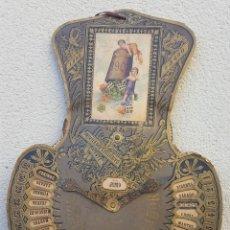 Coleccionismo: CALENDARIO INDICADOR 1907 UNIVERSAL CARTÓN: SANTORAL, FIESTAS MOVIBLES, TABLA DE AÑOS Y OTRA DE DÍAS. Lote 125405599