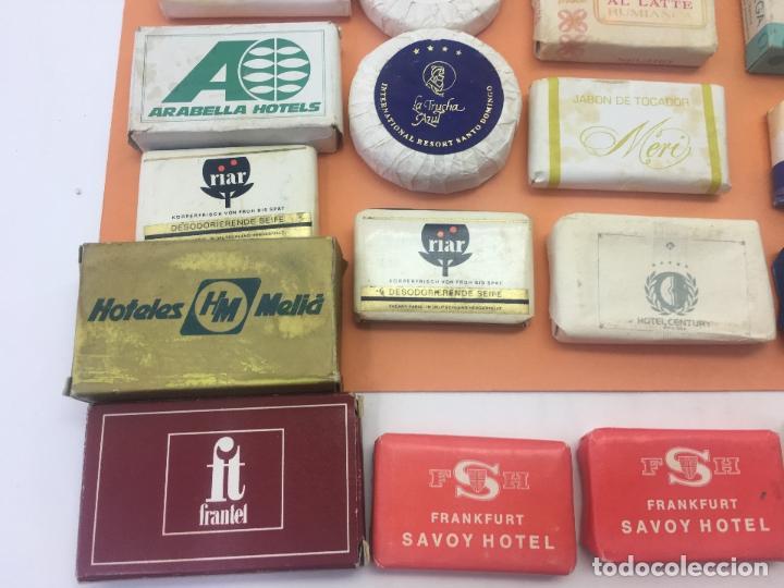 Coleccionismo: LOTE DE 50 Ó 60 PASTILLAS DE MINI JABONES DE HOTELES, LINEAS AEREAS, ETC. LOTE Nº2 - Foto 8 - 127823359
