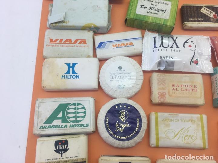 Coleccionismo: LOTE DE 50 Ó 60 PASTILLAS DE MINI JABONES DE HOTELES, LINEAS AEREAS, ETC. LOTE Nº2 - Foto 9 - 127823359
