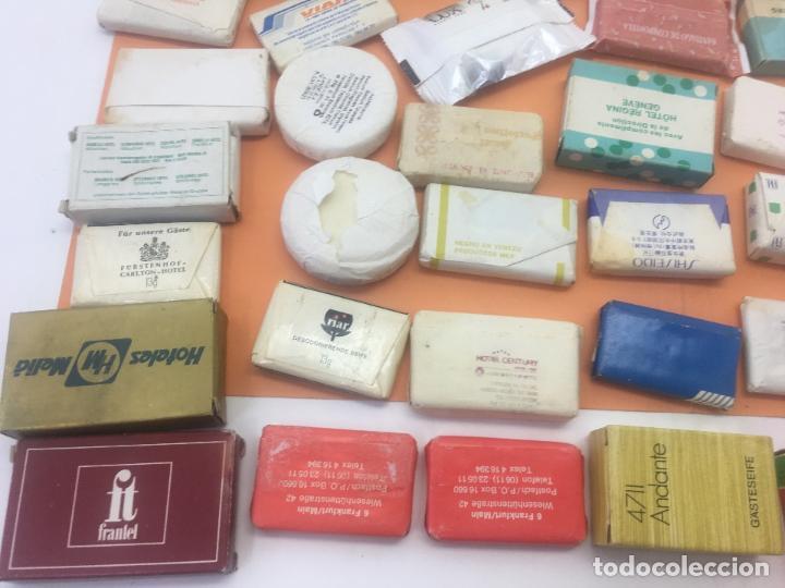 Coleccionismo: LOTE DE 50 Ó 60 PASTILLAS DE MINI JABONES DE HOTELES, LINEAS AEREAS, ETC. LOTE Nº2 - Foto 17 - 127823359