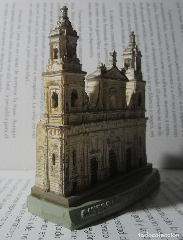 Coleccionismo: Figura Tipo Antigua Catedral Primada De Colombia Bogota Escala Coleccion Discovery - Foto 3 - 129172167