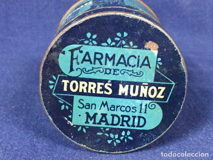 Coleccionismo: antiguo bote hojalata bicarbonato de sosa farmacia torres muñoz san marcos madrid 1923 - Foto 6 - 130318606