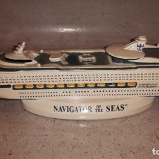 Coleccionismo: MAQUETA CRUCERO NAVIGATOR OF THE SEAS. Lote 130470650