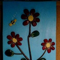 Coleccionismo: CUADRO HECHO CON PIEDRAS. FLORES.. Lote 131074712