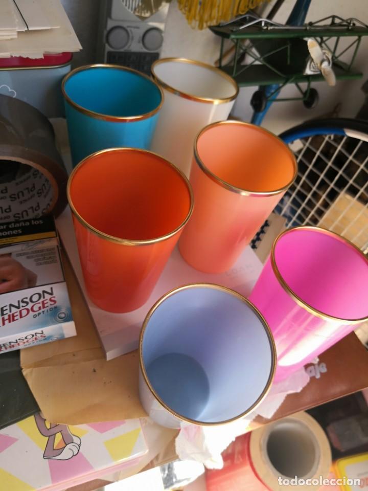 Juego Vintage De 6 Vasos Plastico Duro Fabricad Comprar En