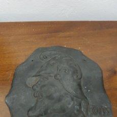 Coleccionismo: CHAPA METAL REPUJADO FIRMADO FOIS. Lote 135881926