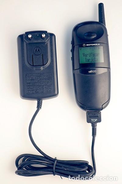 MOTOROLA CD920. TELÉFONO MÓVIL RETRO. (Coleccionismo - Varios)
