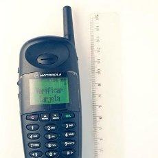 Coleccionismo: MOTOROLA CD920. TELÉFONO MÓVIL RETRO.. Lote 141734142