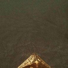 Coleccionismo: FIGURA PIRÁMIDE DEL ANTIGUO EGIPTO. Lote 143840290