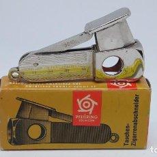 Coleccionismo: CORTAPUROS PFEILRING SOLINGEN 5610 CIGARRO CIGAR CUTTER CIGARRILLOS GUILLOTINA. Lote 147546990