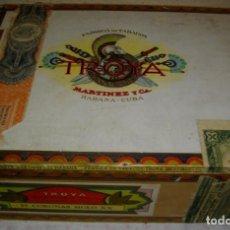 Coleccionismo: CAJA DE PUROS HABANOS -CUBA ROMEO Y JULIETA 25 CORONAS SIGLO XX (( VACIA )) PRE-REBOLUCION. Lote 194337150