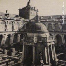 Coleccionismo: EL ESCORIAL MADRID ANTIGUA LAMINA HUECOGRABADO AÑOS 40. Lote 147741446