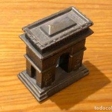 Coleccionismo: MUGRES Y MUGRECILLAS DIVERSAS-MONUMENTALES-ARCO DE TRIUNFO(17€). Lote 148176074