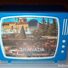 Coleccionismo: TELEVISOR MINIATURA SOUVENIR GRANADA, OCHO DIAPOSITIVAS, AÑO 1986. Lote 148891262