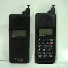 Coleccionismo: ANTIGUO TELEFONO MOVIL- MOTOROLA 7500 MICROTAC MOVISTAR -CON TAPA - ENCIENDE MICROTAC. Lote 148988905