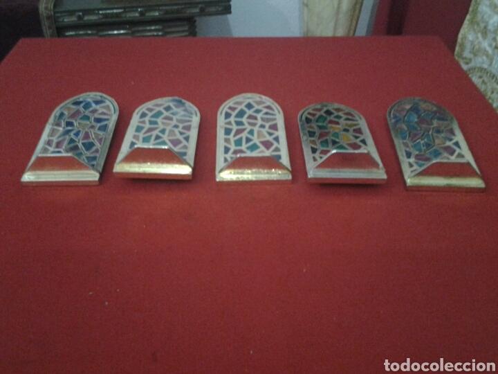 Coleccionismo: Capilla de metal y vidriera lote de 5 piezas - Foto 5 - 149357181