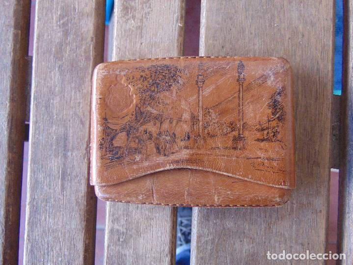 Coleccionismo: PITILLERA DE CUERO PINTADA A PLUMILLA, SEVILLA FC CAMPEONES, SOLEDAD DE BUENAVENTURA, LA ALAMEDA - Foto 8 - 149948110